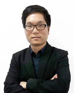 资深移民及签证顾问Charles Wong(王耀华)