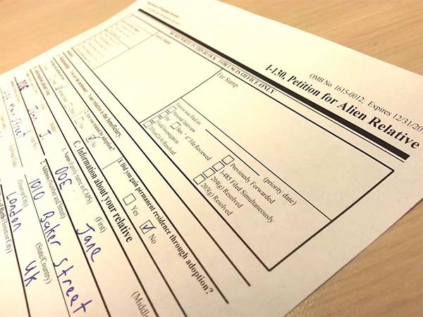 新政:婚姻绿卡者需特定条件才能为新配偶申请绿卡!