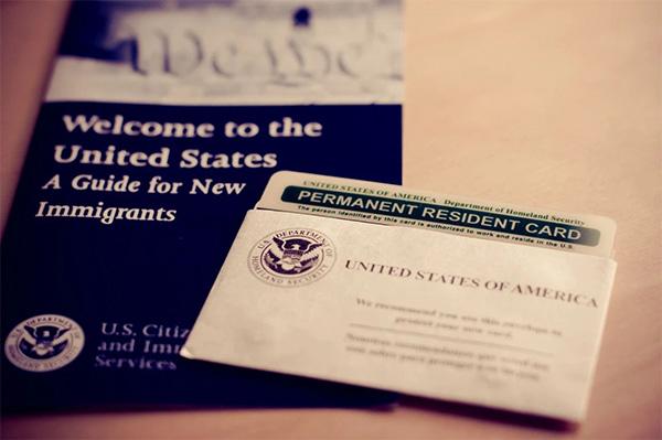 当美国移民局延误寄送EAD卡和绿卡怎么办?